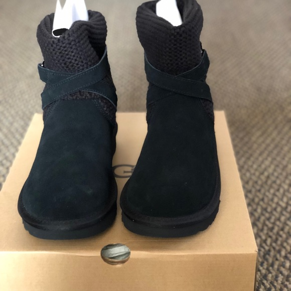 be11d08c2f2 NWT UGG PURL STRAP BOOT Boutique